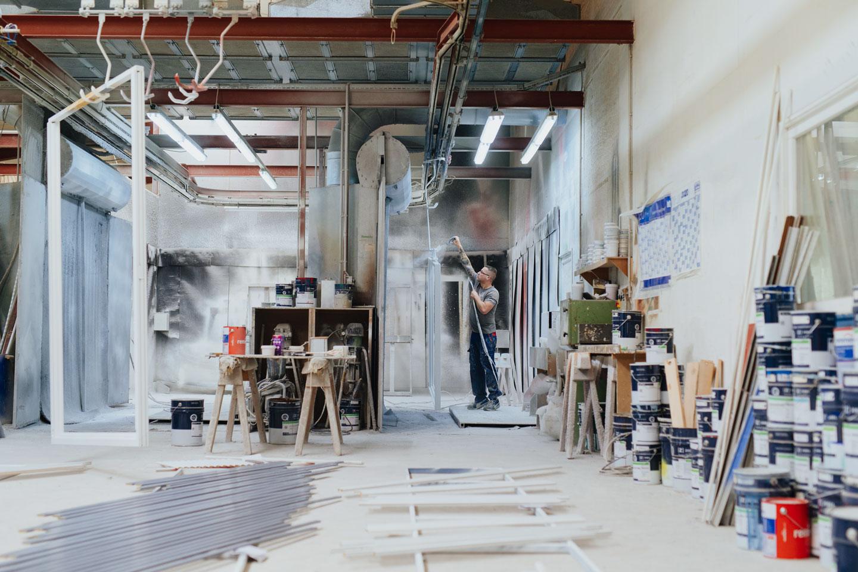 BEKRU Werke Abteilung Holz – Lackierung