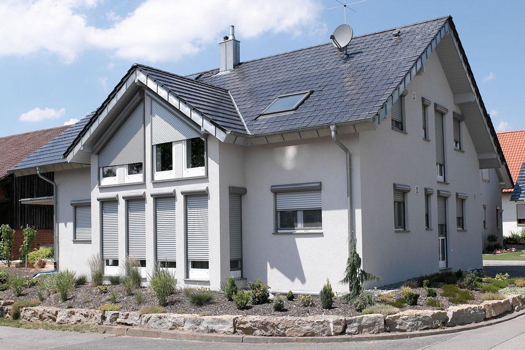 ROMA-Vorbaurolladen-TRENDO_Einfamilienhaus